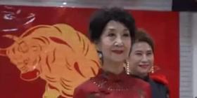 """80岁的模特奶奶的花样年华——""""快乐从49岁开始"""""""